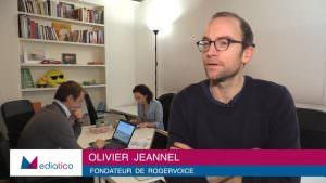 Sourds et malentendants : RogerVoice obtient le soutien de la finance d'impact
